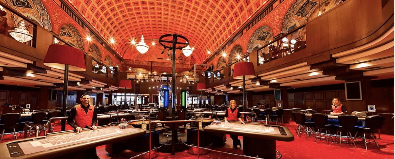 Den glamorösa interiören hos casinot i Stockholm